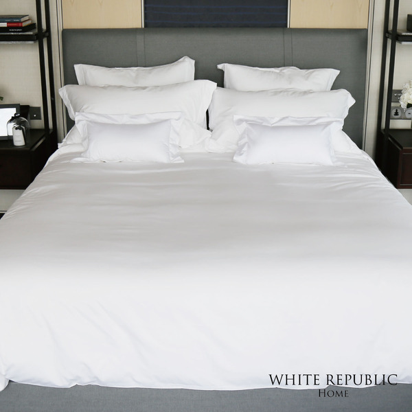 Signature Duvet Cover - Q
