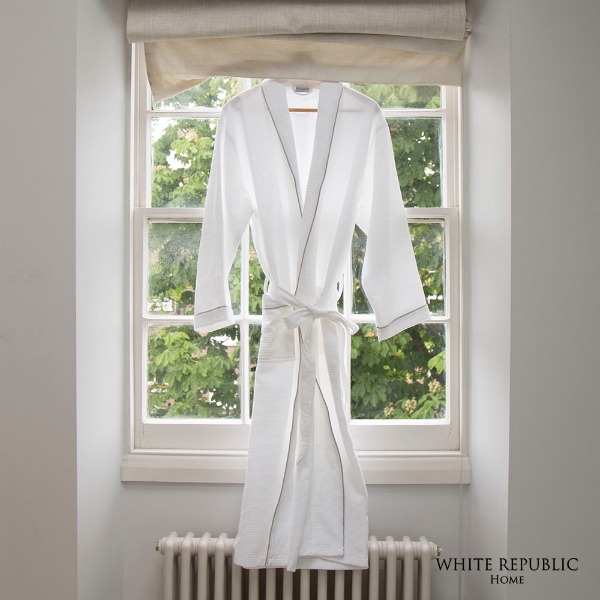 WR Waffle Bathrobe White (Female)