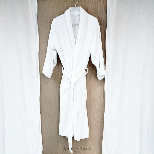 Dorchester Bathrobe - White (Male)