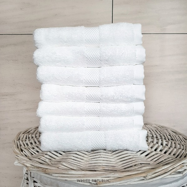 Savoy Collection Hand Towel - White