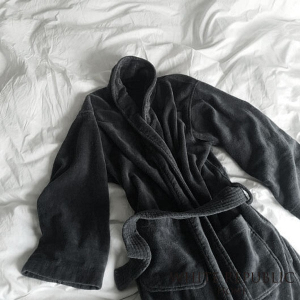 [균일가] WR Signature Velour Bathrobe Midnight Blue